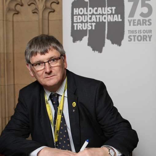 PETER GRANT MP SIGNS HOLOCAUST EDUCATIONAL TRUST BOOK OF COMMITMENT