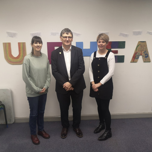 LOCAL MP SHOWS SUPPORT FOR MUIRHEAD OUTREACH PROJECT