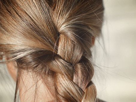 HOW-TO: OILS & HAIR