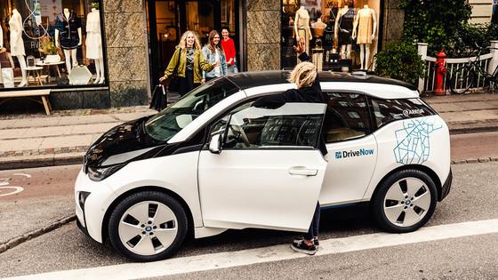 Sixt CEO hints at car-sharing merger talks between BMW and Daimler
