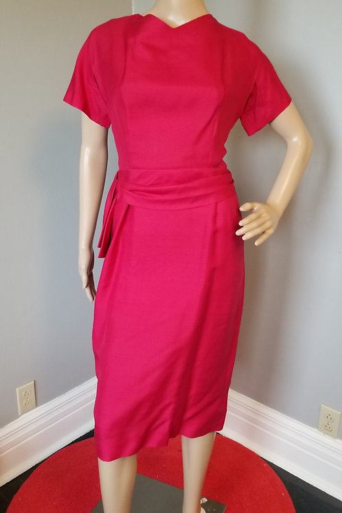 50's/60's Bombshell Cocktail Dress in Raspberry - M