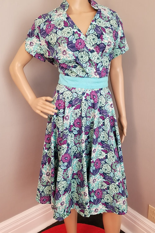 60's Style Dress in a Lively Floral with Contrasting Trim - L