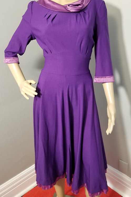 Vintage Inspired MUXXN Fit-n-Flare Purple Frock - L