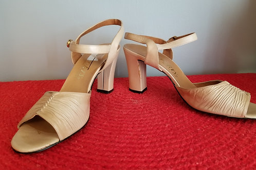 70s Passports Leather Sandals in Nude - 11N