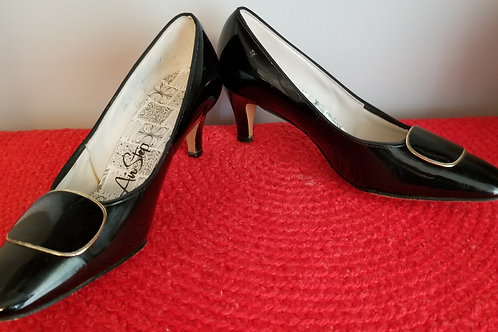 60's Air Step Black Patent with toe decor - 8.5B