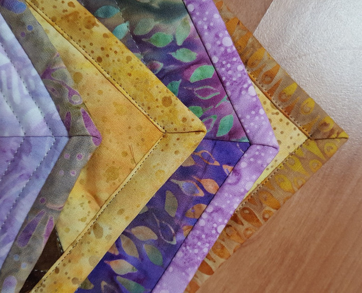 60 Degree placemats and binding