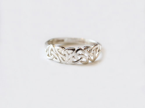 Gents Silver Trinity Knot Celtic Ring