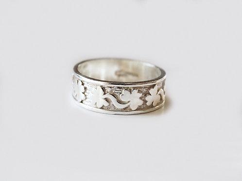 Gents Silver Engraved Shamrock Ring