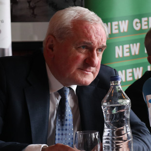 Former Taoiseach, Bertie Ahern with Lord Murphy, briefing the FPA group