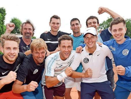 Siegerfäuste der Leipziger Tennis-Helden