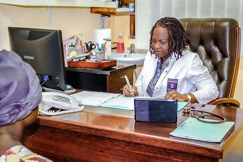 Clinique-Docteur-Boum-Douala-Cameroun-19