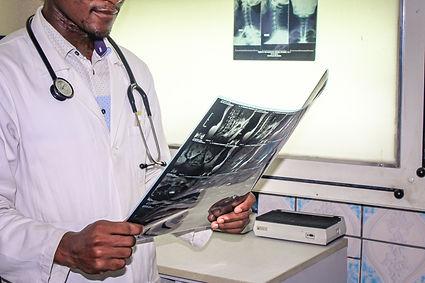 Clinique-Docteur-Boum-Douala-Cameroun-11