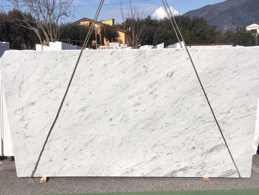 White Carrara Vs Calacatta