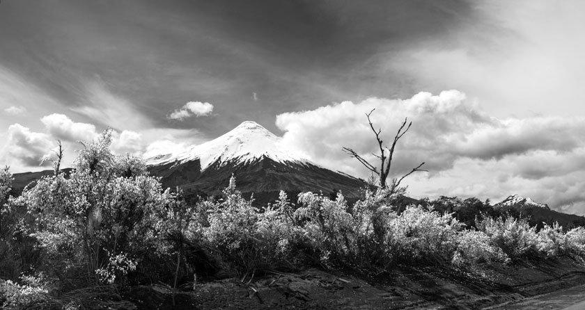 Volcán Osorno B&N