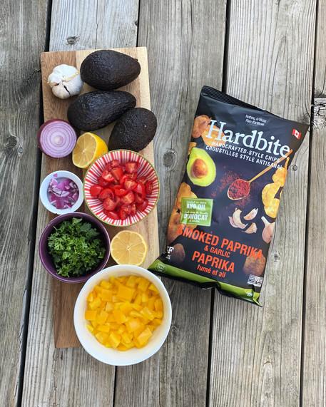 Zesty Mango Avo Guacamole with Hardbite Chips