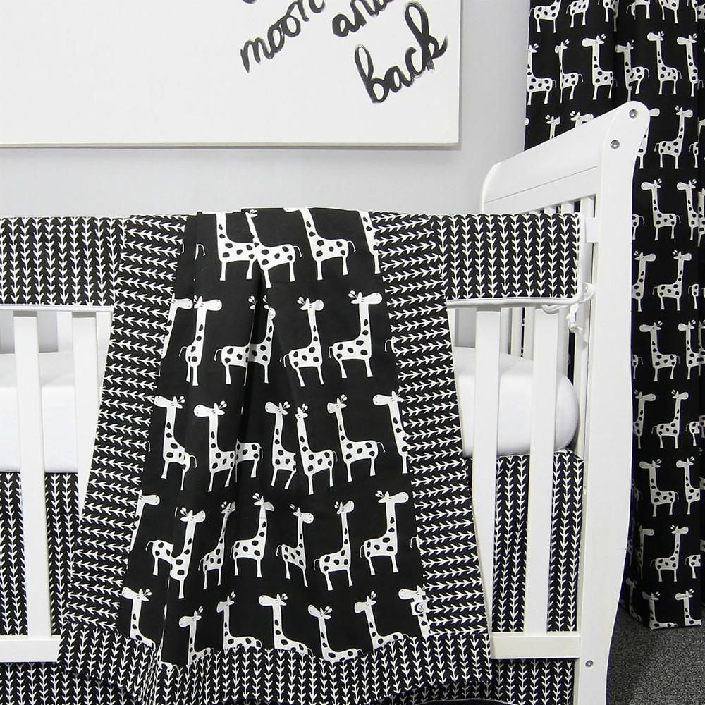 Groovy Giraffe Crib Set
