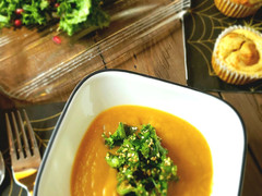 Pumpkin Soup with Kale, Butternut and Tahini Salad, and Pumpkin Cream Cheese Swirl Muffins - #MomjoE