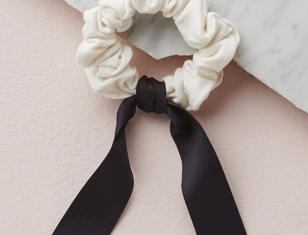 Bamboo Viscose scrunchie with silk tails