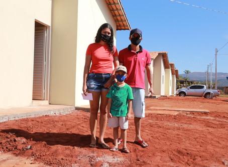 No Dia Nacional da Habitação, Governo de Goiás celebra entrega de quase 3 mil moradias às famílias