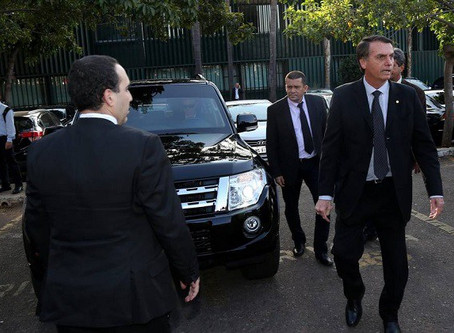 Segurança na casa de Bolsonaro é reforçada a pedido de inteligência
