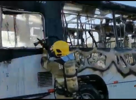 VÍDEO: mais um ônibus é incendiado no DF durante protesto no Assentamento 26 de Setembro