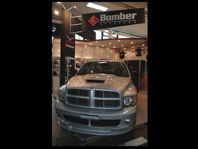 Estande Bomber