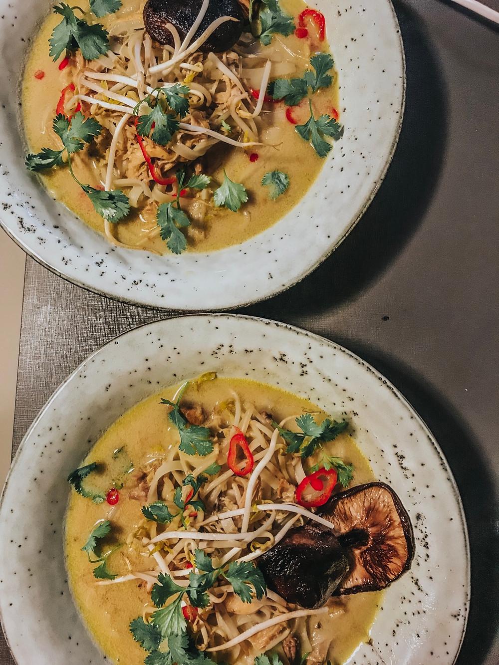 Tom Kha Gai: sopa tailandesa de leite de coco e frango