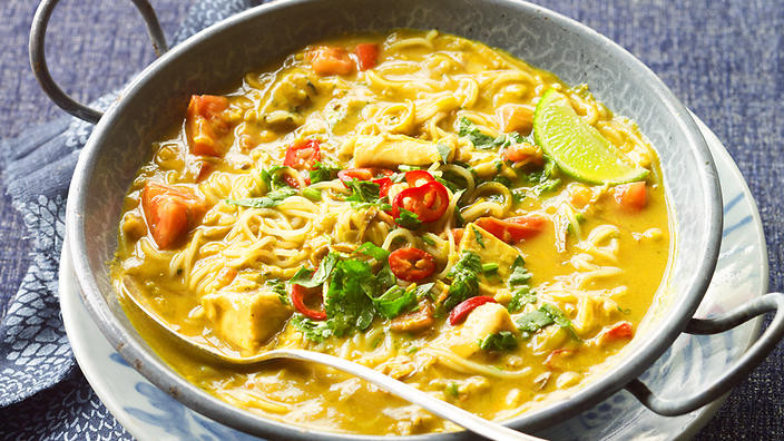 Burmese fish noodle soup (mohinga)