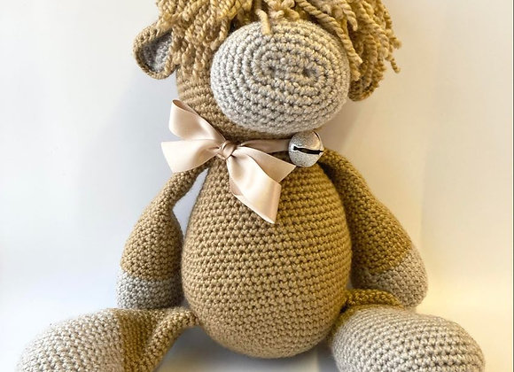 Highland Cow Crochet Kit & Ceramic Charm