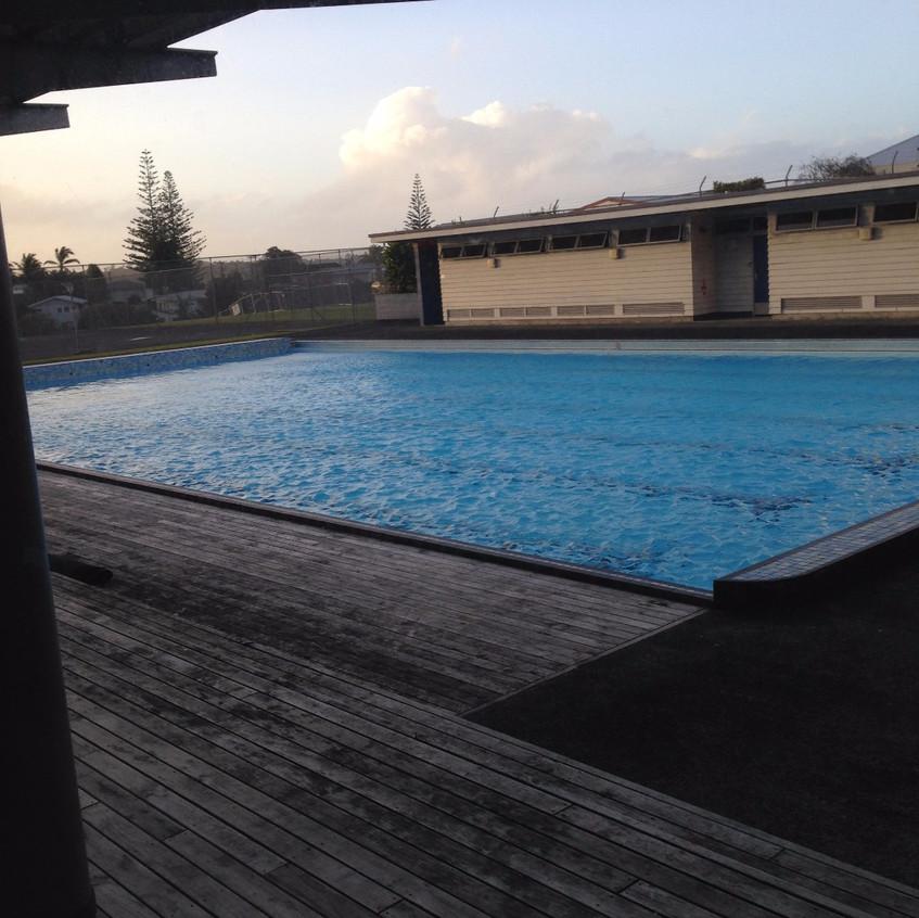 Lisede açık havuz