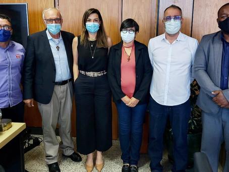 Fundadores da Casa do Menor se reúnem com a secretária Marcela Passamani