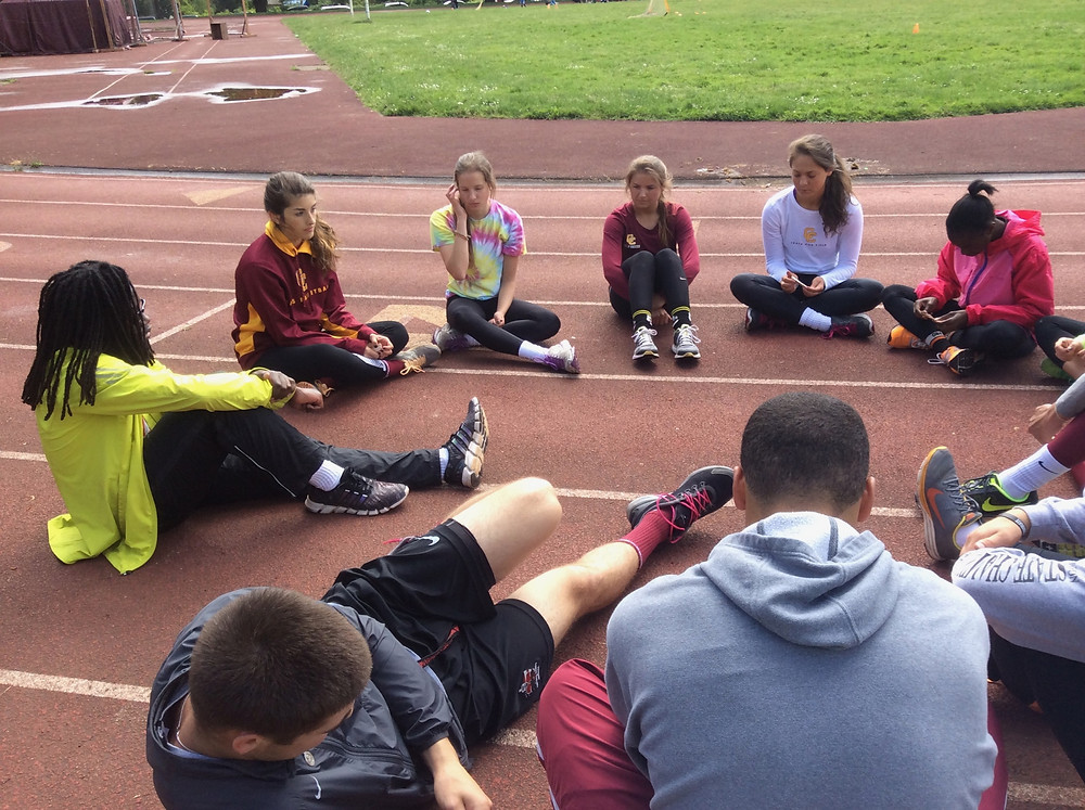 Team meeting on the track