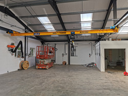 ABLE UNDERSLUNG TRAVELLING CRANE