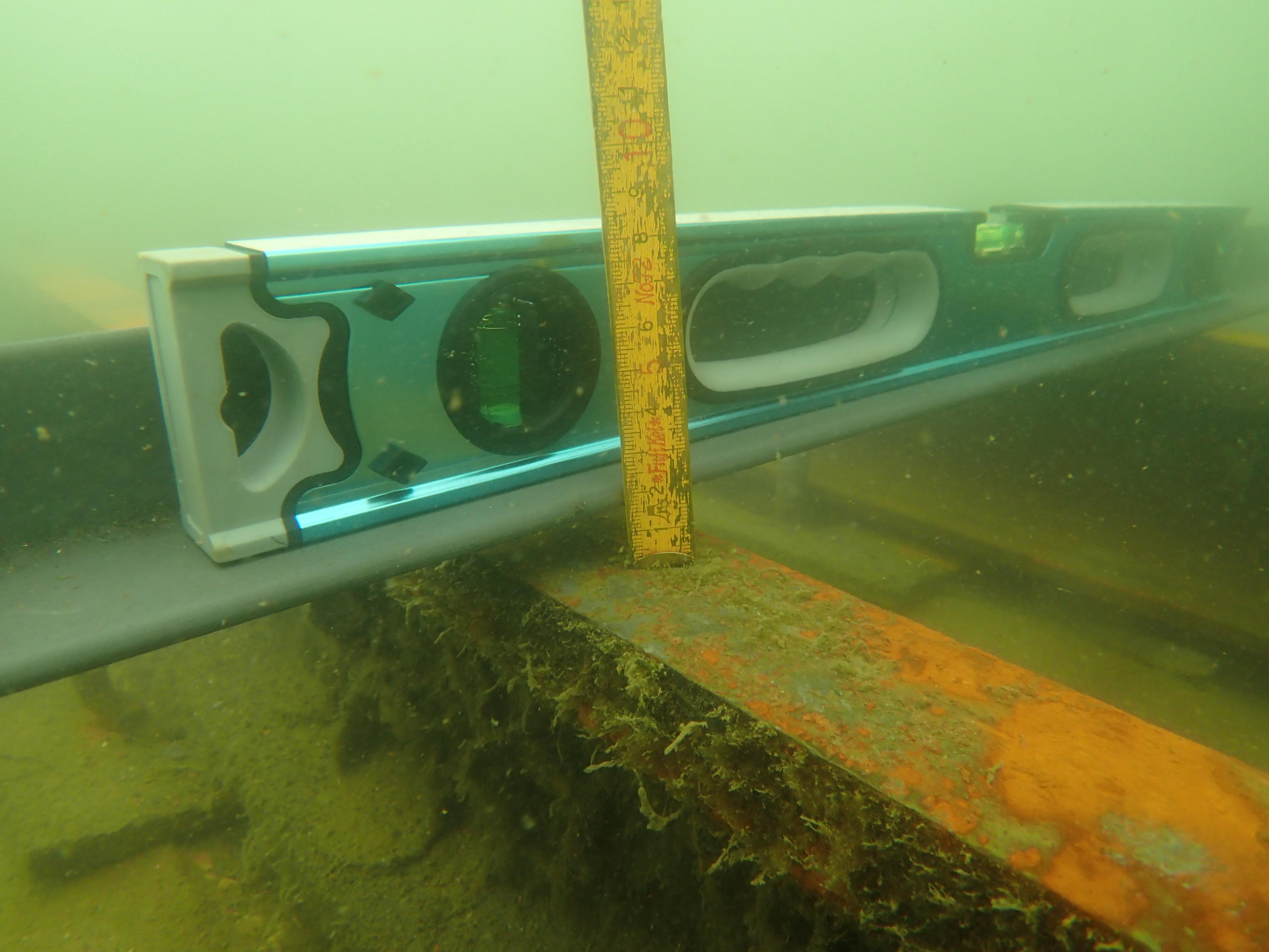 潜水調査、レール