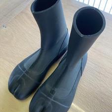 タビタイプのブーツ