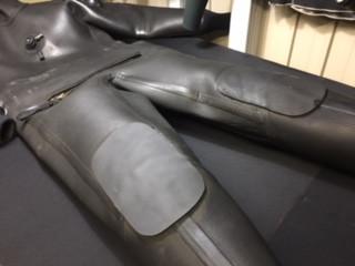ドライスーツ、膝パット、修理。