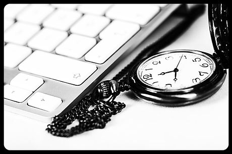 Vintage Clock and Modern Keyboard_edited