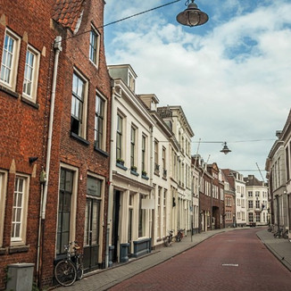 Amsterdam: A warm and silent city