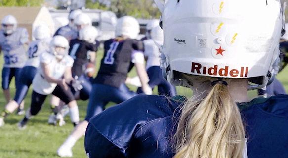 UtahGirls Tackle Football Deadspin.jpeg