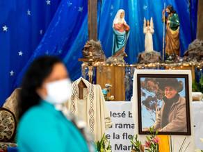 Muere por covid el cura que fundó refugios de migrantes en México