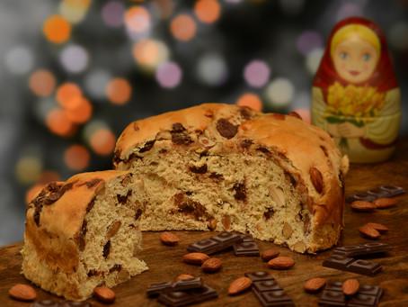 El famoso pan de Toni, relleno de frutas