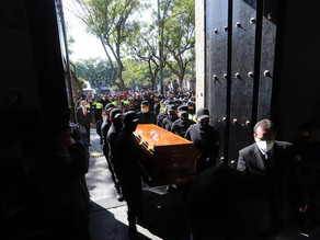 Homenaje a exgobernador asesinado une a políticos mexicanos contra la violencia