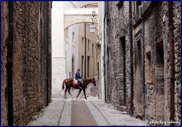 Per-le-vie-di-Spoleto-e1424154524284