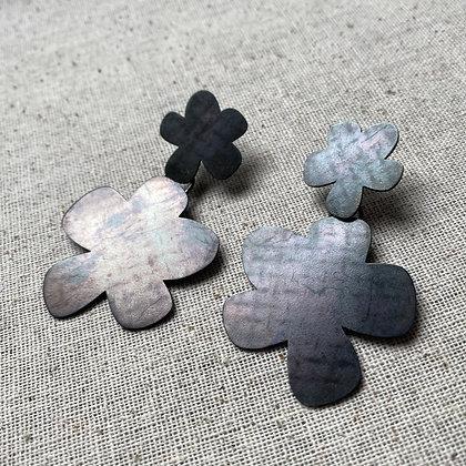 Steel Double Flowers - Distressed Pattern