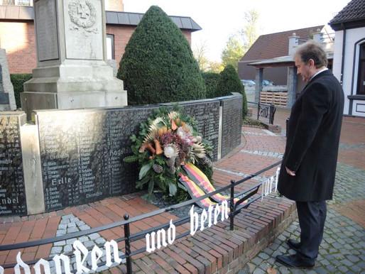 Würdiges Gedenken am Volkstrauertrag am Visbeker Ehrenmal