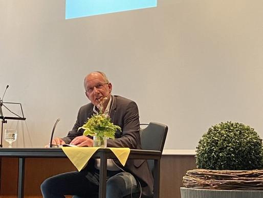 Autorenlesung mit Andreas Klaene begeistert das Publikum