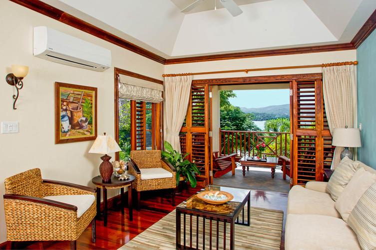 Jamaica_MakanaonDiscoveryBay_14.jpg
