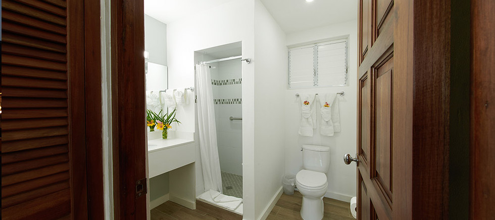 bathroom-5-villa-1.jpg