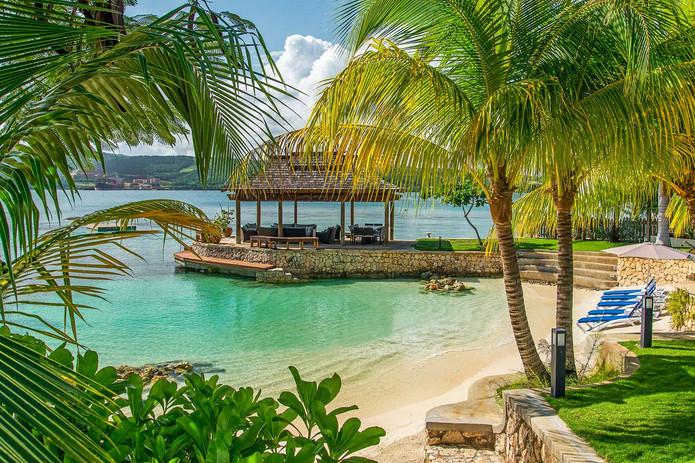 Jamaica_MakanaonDiscoveryBay_05.jpg