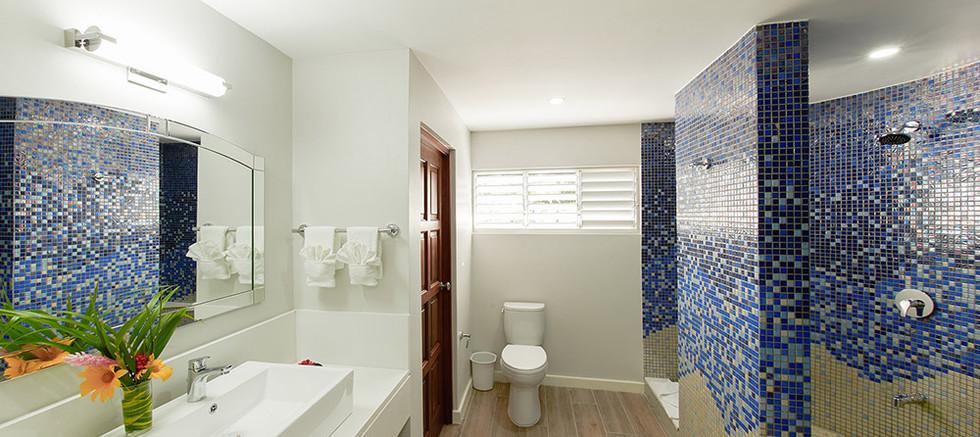 King-bathroom-1.jpg